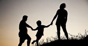 Toutes les familles, interview de Annie Degroote - Pierre Guelff - Fréquence Terre - POUR - www.pour.press