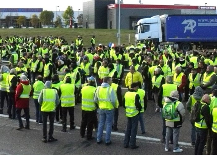 Les gilets jaunes: mobilisation confuse