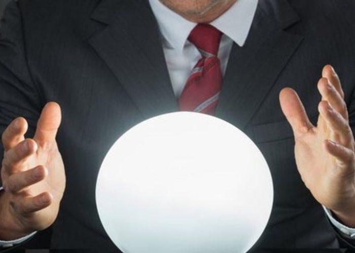Économie: calculs sérieux ou boules de cristal ?