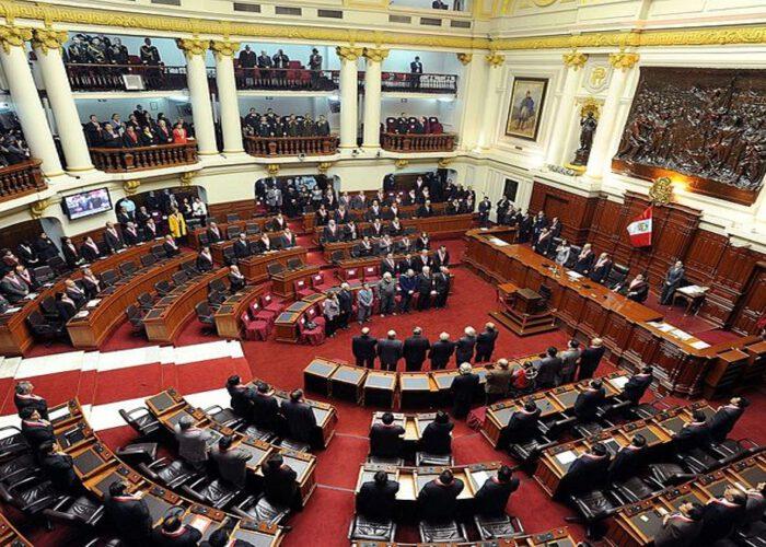 Le Pérou supprime l'immunité parlementaire